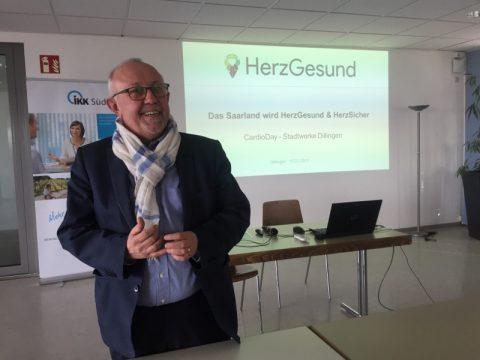 Bürgermeister Berg begrüßt beim CardioDay der Stadtwerke Dillingen